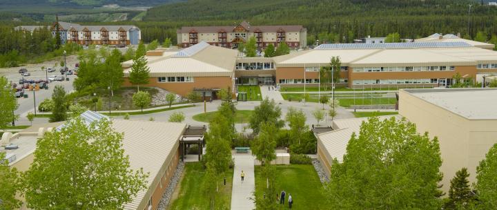 Collège du Yukon: Campus Ayamdigut  (Photo: archbould.com)